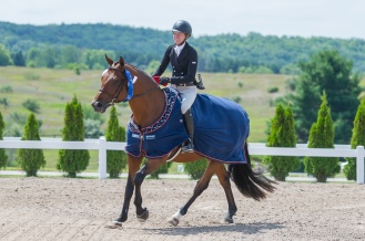 Molly Ashe and Kennzo Claim the Walgreens $2500 USHJA National Hunter Derby at Horse Shows by The Bay